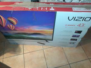 """TV VIZIO SMART 43"""". for Sale in Norcross, GA"""