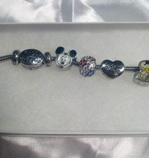 Vintage Stainless Steel Hallmark LIC Celebrate Life Mom Charm Bracelet. for Sale in Carmichael, CA