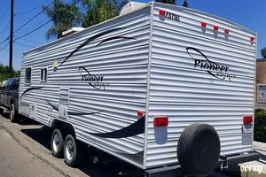 2005 Pioneer 24bh Travel Trailer for Sale in Ontario, CA