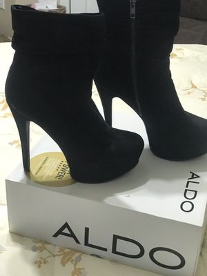 ALDO SUEDE LEATHER BOOTS SIZE 8 for Sale in Kennesaw, GA