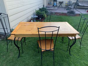 Retro Table with chairs. for Sale in Cashmere, WA