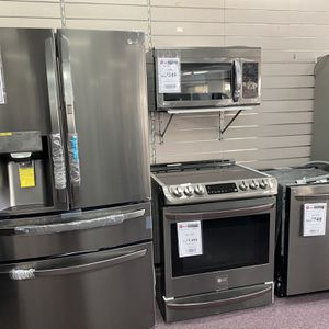 Kitchen Appliances Refrigerator Stove Dishwasher Microwave for Sale in Hollywood, FL