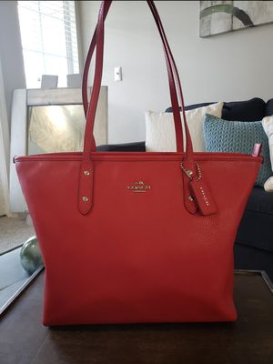 COACH City Zip Tote Bag - Red - Large for Sale in Lithonia, GA