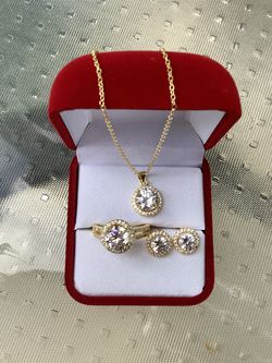 New 18k gold diamond wedding Necklace Earring ring for Sale in Buford,  GA
