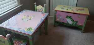 Table, chair and toy chest set for Sale in Murfreesboro, TN