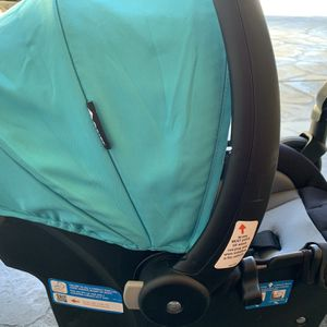 Car Seat, Car Seat Base, And Stroller Set for Sale in Shasta, CA