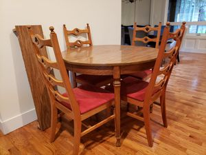 Kitchen table and chairs for Sale in Bellevue, WA