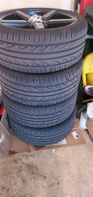 255/35/18 and 225/40/18 4 tires like new for Sale in Vancouver, WA