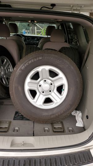 Set of 5 245/75r16 tires on rims for Sale in Lynnwood, WA