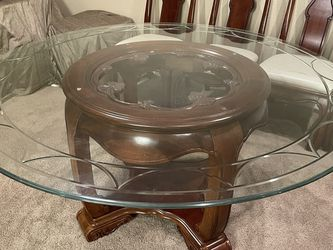 Glass Table with 6 Chairs for Sale in Anaheim,  CA