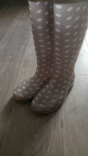 Grey and white polka dot rain boots size 8 for Sale in Raleigh, NC