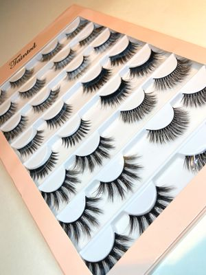 Eyelashes Book for Sale in Lynwood, CA