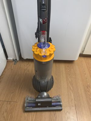 Dyson Ball MultiFloor Vacuum for Sale in Winter Garden, FL