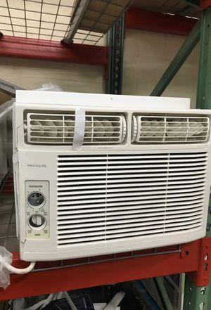 Frigidaire 12000 BTU window AC air conditioner for Sale in Arcadia, CA