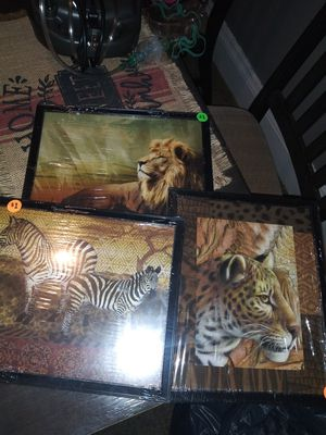 Set Of 3 Animal Pictures for Sale in Cleveland, OH