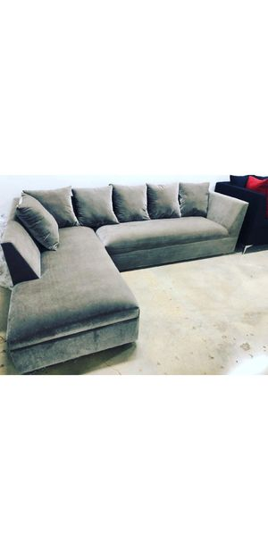 New grey velvet Sectional Sofa couch for Sale in Miami, FL