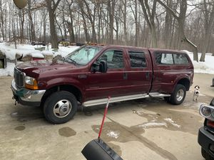 2000 Ford F-350 superduty 4x4 7.3 diesel for Sale in Fenton, MI