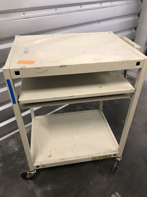 Work Station Laptop Roller Rack w/ power
