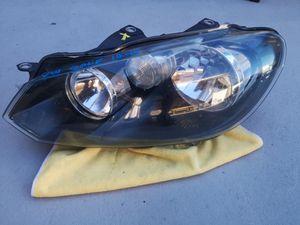 Volkswagen golf 2010 2011 2012 2013 2014 left headlight halogen for Sale in Lawndale, CA