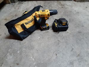 12V DEWALT DRILL WITH CHARGER AND BAG WORKS EXCELLENT for Sale in Sacramento, CA