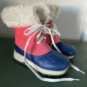 Snow Boots for Sale in Hesperia, CA