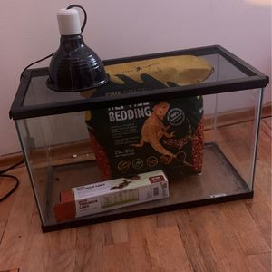 Gecko Tank w/ Substrate and Lamp for Sale in Seattle, WA
