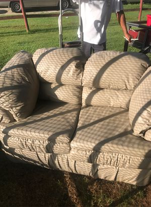 Leather loveseat for Sale in Murfreesboro, TN
