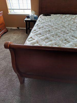 Bedroom furniture set for Sale in Fresno, CA