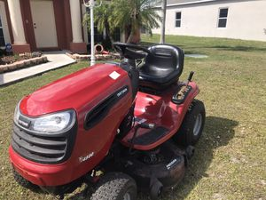 Tractor Craftman for Sale in Port St. Lucie, FL