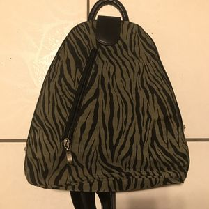 Baggallini back pack for Sale in Kissimmee, FL