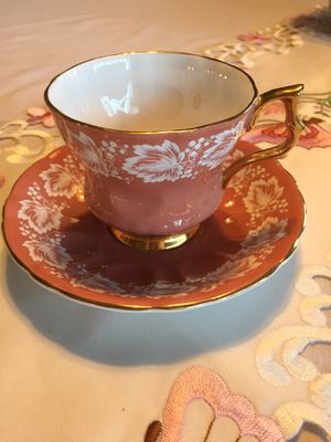 Royal Windsor TEA CUP/SAUCER-Pink/gold for Sale in Scappoose, OR