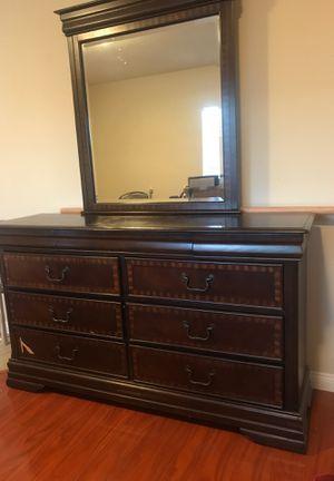 Vanity dresser for Sale in La Puente, CA