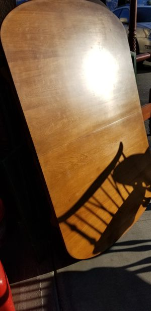 Flint Ridge Dining room table with 4 leaves. for Sale in Chelan, WA