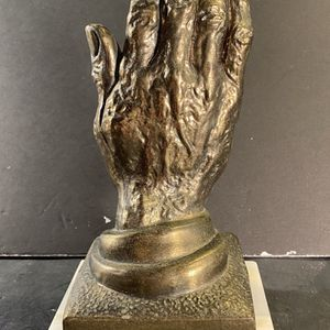 "NEW DIAMOND Vintage Metal Praying Hand On Onyx Base Bookend (Height: 9-3/4"") for Sale in Dade City, FL"