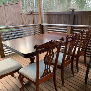 Dining Room Table for Sale in Puyallup, WA