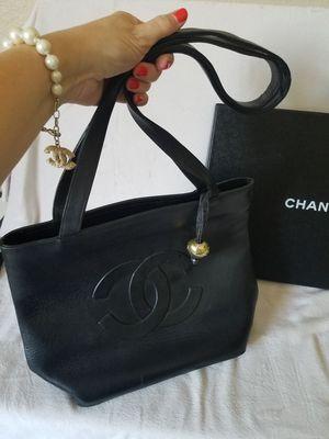 Chanel Black Leather CC Logo Shoulder Bag for Sale in Las Vegas, NV