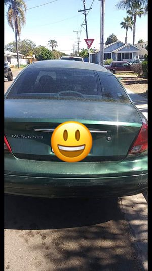 Taurus Ford 160 mil miles year 2000 for Sale in San Diego, CA