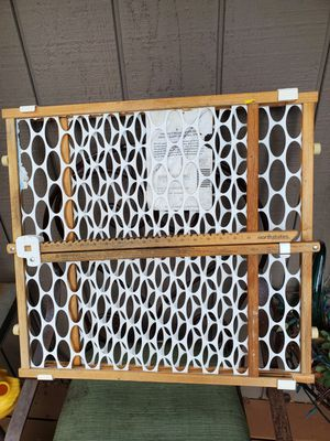 """Small Pet Gate 23"""" High × 23"""" ( to 43"""") Long for Sale in Bonney Lake, WA"""