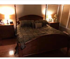 King size bedroom set for Sale in Potomac Falls, VA