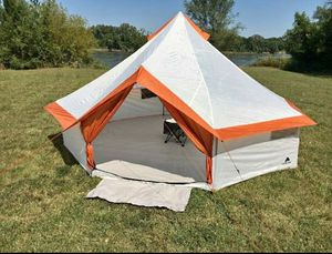 Camping Tent Outdoor Large 8 Person Family Group Portable Lightweight Festival Looking Spacious New for Sale in Brooklyn, NY