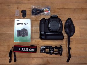 Canon EOS 60D dslr camera for Sale in Long Beach, CA