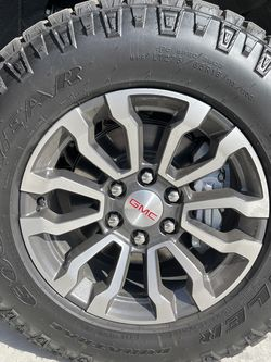 Stock GMC Wheels And Tires for Sale in Bakersfield,  CA
