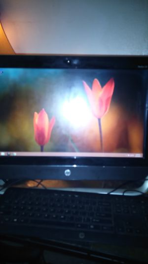 HP PAVILION 20 ALL IN ONE for Sale in Davenport, IA
