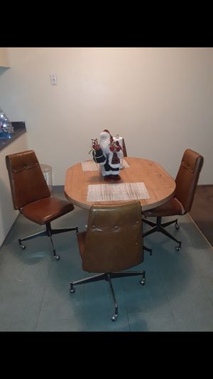 Dinning table set, Cutler CA for Sale in Cutler, CA