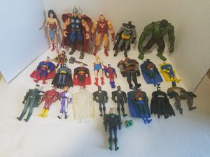 24 marvel and dc action figure lot for Sale in Newberg, OR
