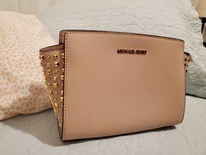Michael Kors Selma Stud Messenger Leather Bag for Sale in Anaheim, CA