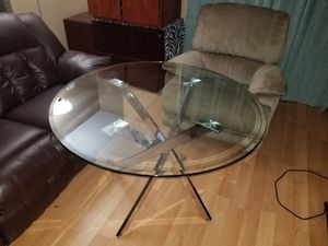 Powell Putnam dining table. for Sale in Modesto, CA