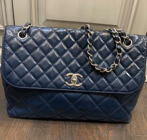 Authentic Chanel patent vinyl bag for Sale in San Diego, CA