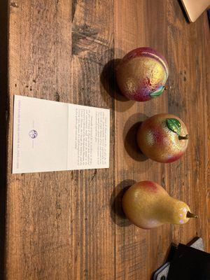 Fine art glass fruit for Sale in Ardsley, NY