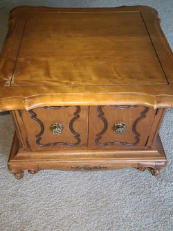 End Table for Sale in Bellevue,  WA